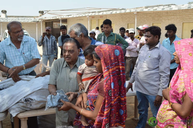 footwear-distribution-sant-sarovar-gandhinagar-vasahat-mandal-april-2014-17 Gandhinagar, Gujarat, India.