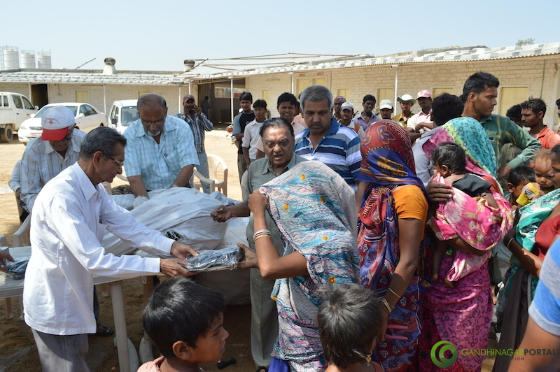 footwear-distribution-sant-sarovar-gandhinagar-vasahat-mandal-april-2014-19 Gandhinagar, Gujarat, India.