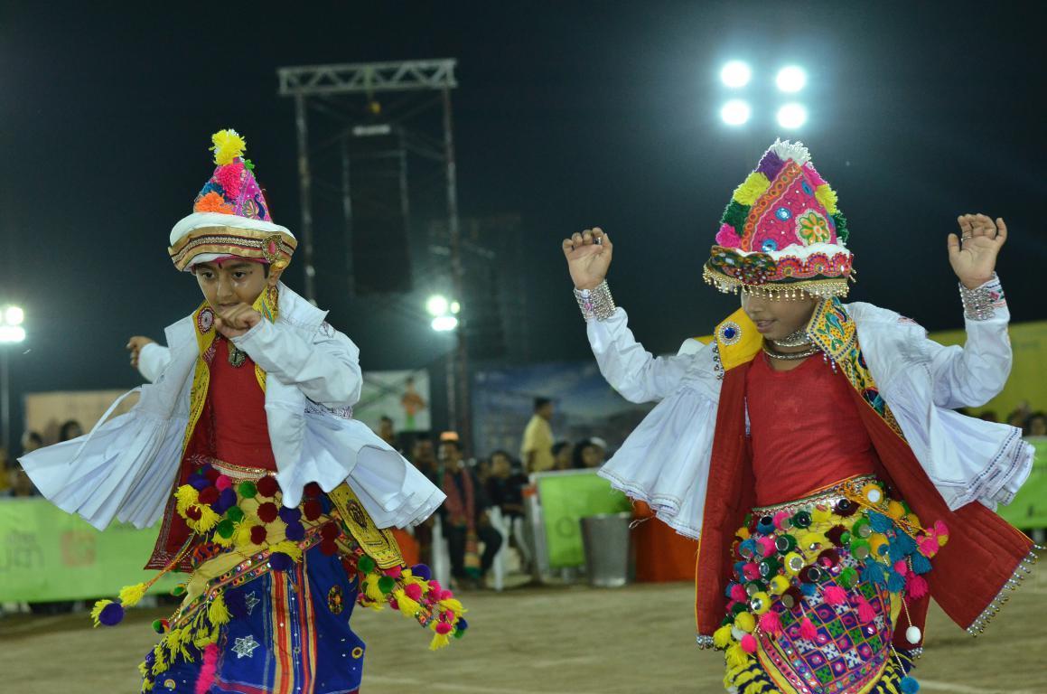 Live Naratri - Gandhinagar Culrural Forum 2018 Mega FInal Day 10 (41) Gandhinagar, Gujarat, India.