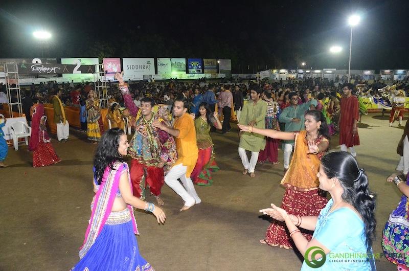 Gandhinagar Cultural Forum - Navli Navratri 2014 Day 1 Gandhinagar, Gujarat, India.
