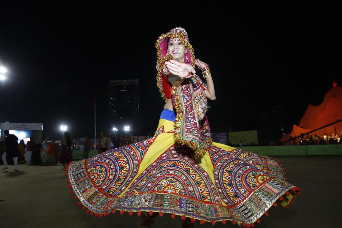 Live Gandhinagar Cultural Forum Navratri 2018 Day 2  (14)