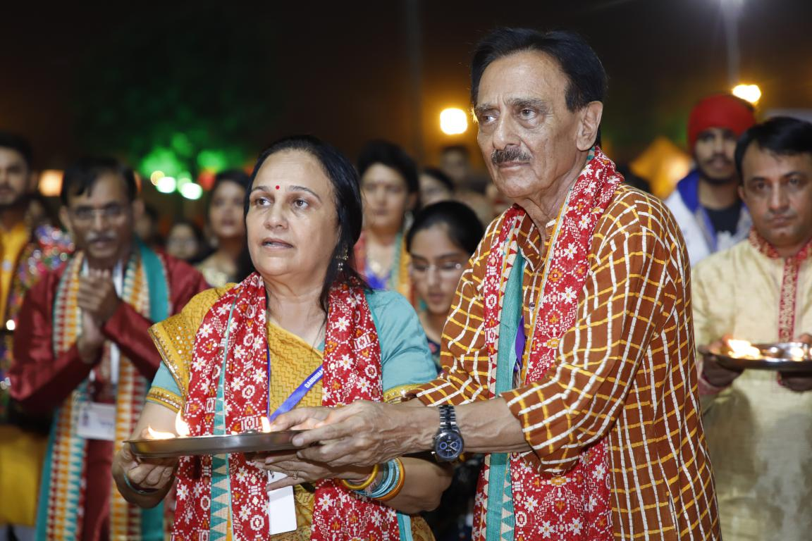 Live Gandhinagar Cultural Forum Navratri 2018 Day 2 (18) Gandhinagar, Gujarat, India.