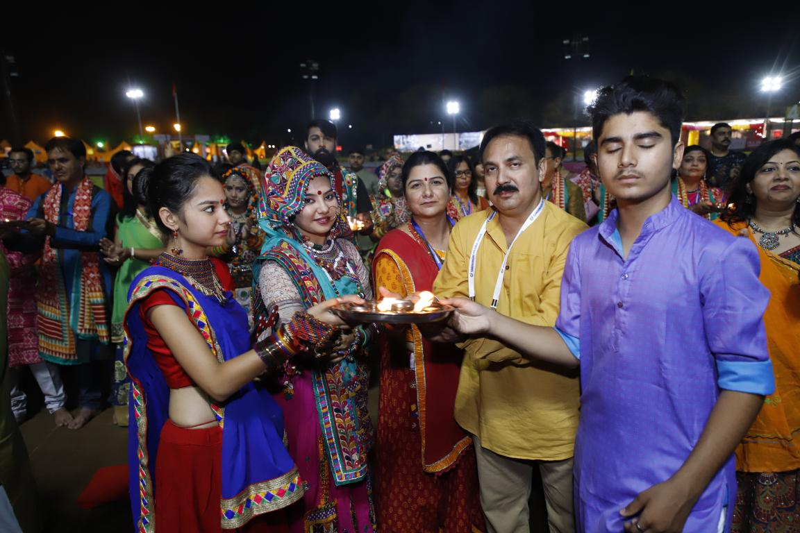 Live Gandhinagar Cultural Forum Navratri 2018 Day 2 (19)