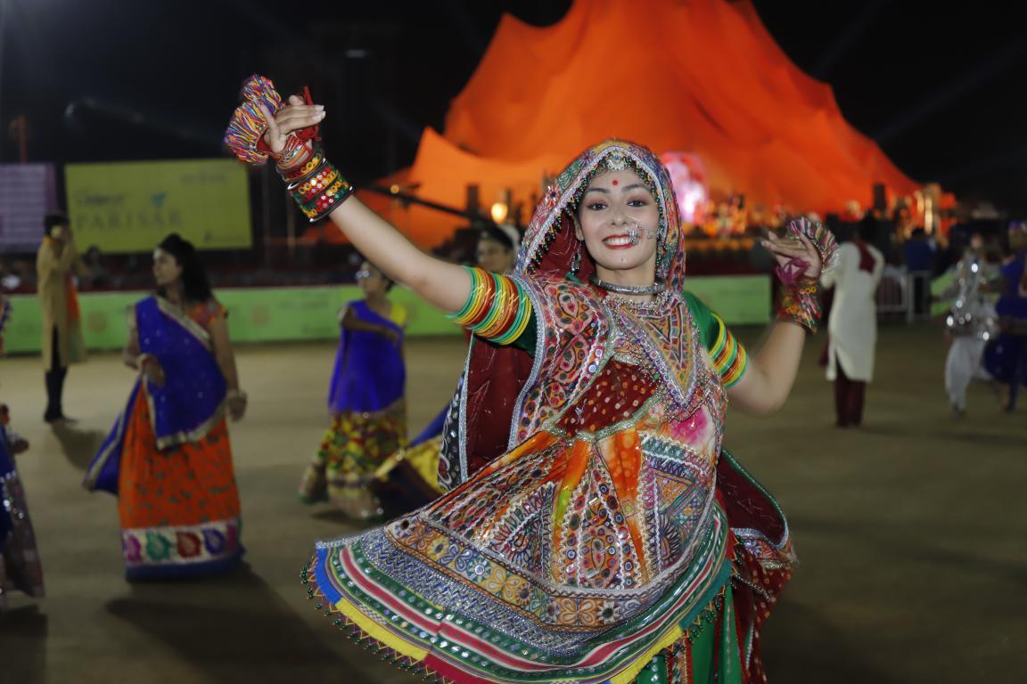 Live Gandhinagar Cultural Forum Navratri 2018 Day 2 (40) Gandhinagar, Gujarat, India.