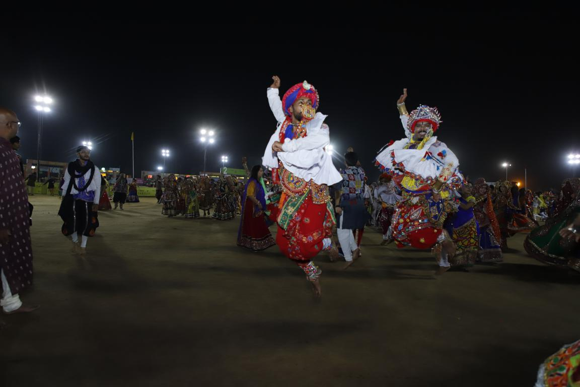 Live Gandhinagar Cultural Forum Navratri 2018 Day 2 (43) Gandhinagar, Gujarat, India.