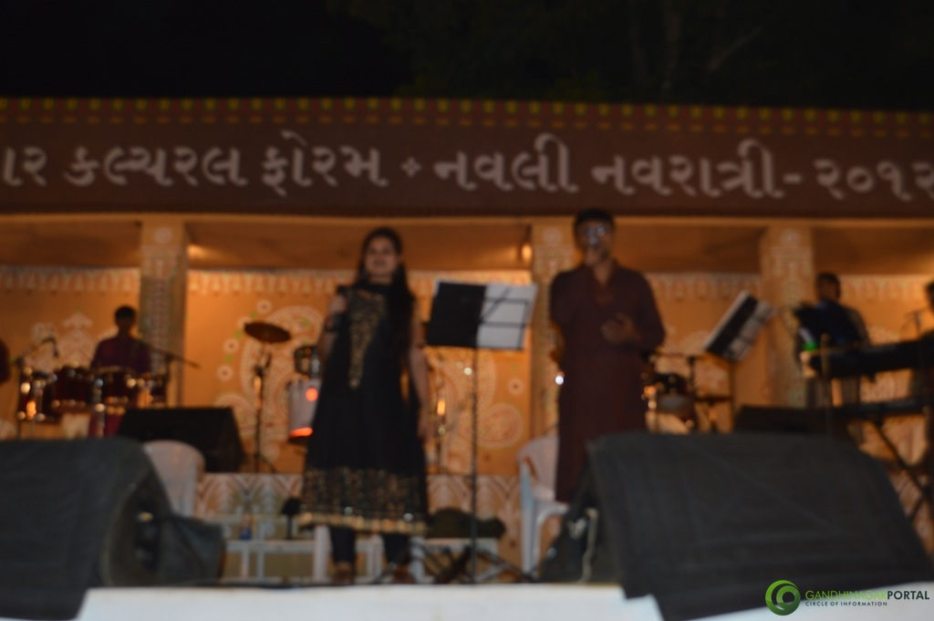 Gandhinagar Cultural Forum Navali Navratri 2012, Day 5,  Deepti Desai-Amit Thakkar and Group, Gandhinagar, Gujarat, India.