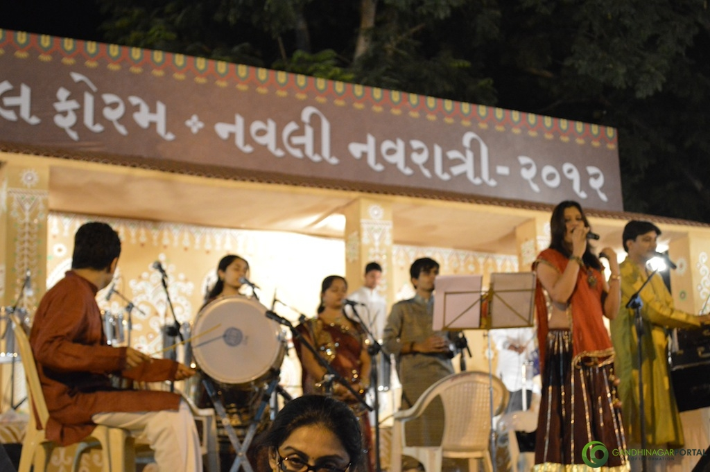 Gandhinagar Cultural Forum Navali Navratri 2012- Day 6- Darshna Gandhi and Group Gandhinagar, Gujarat, India.