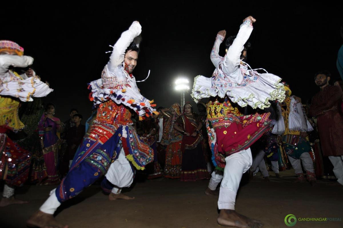 Live Gandhinagar Cultural Forum Navli Navratri 2017 Day 6 (48) Gandhinagar, Gujarat, India.