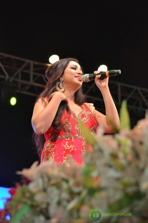 Shreya Ghoshal performing at Gandhinagar Gandhinagar, Gujarat, India.