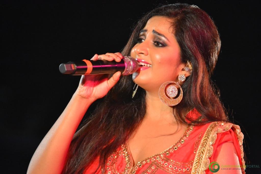 Shreya Ghoshal at performing at Gandhinagar Gandhinagar, Gujarat, India.