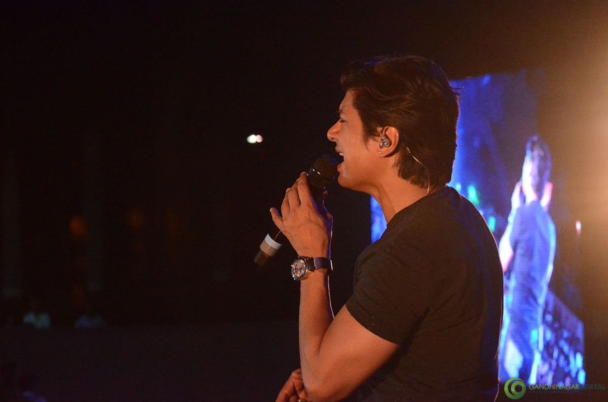 Shaan-performing-at-grishnmotsav-gandhinagar (20)
