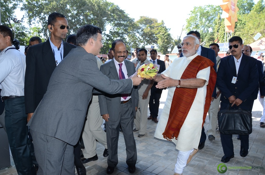Mr Mukesh Kumar (M.D. iNDEXTb) Welcoming C.M. Shri Narendra Modi Gandhinagar, Gujarat, India.