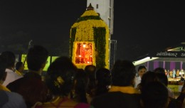 live-amit-thakkar-dipti=desai-gandhinagar-cultural-forum-navratri-Day-4-2014