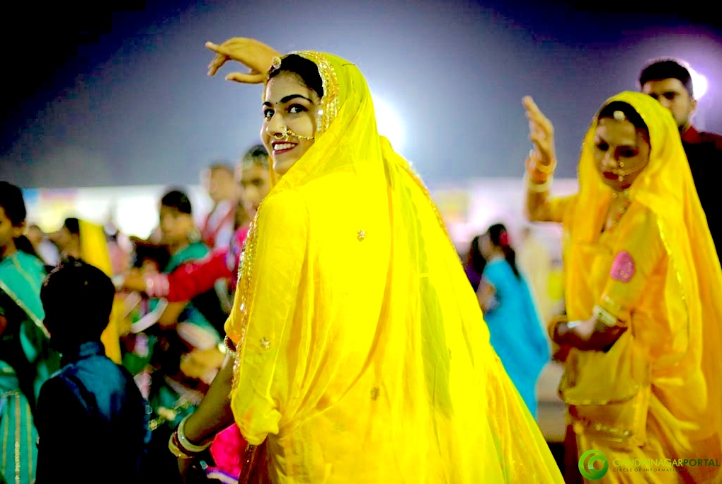 Live Gandhinagar Cultural Forum Navli Navratri 2015- Day 8 Garba- Golden Cheers Group Gandhinagar, Gujarat, India.